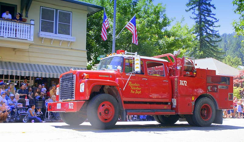 1978 fire truck in a parade