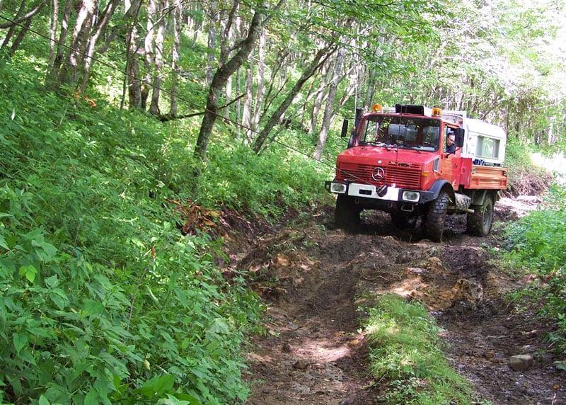 Unimog Winch Through Mud
