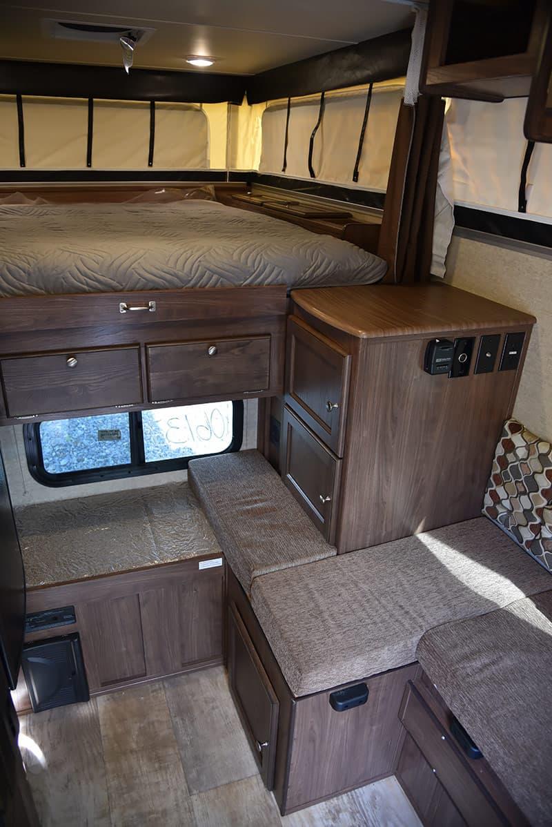 Palomino SS-550 interior living area