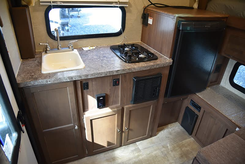 Palomino SS-550 kitchen