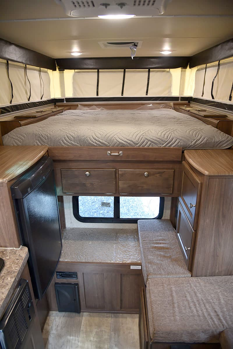 Palomino SS-550 pop-up truck camper inside