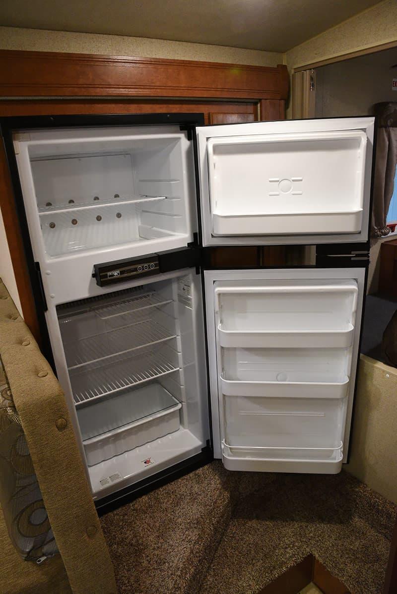 Arctic Fox 992 six-cubic foot refrigerator