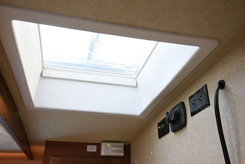 Arctic Fox 992 skylight in cabover