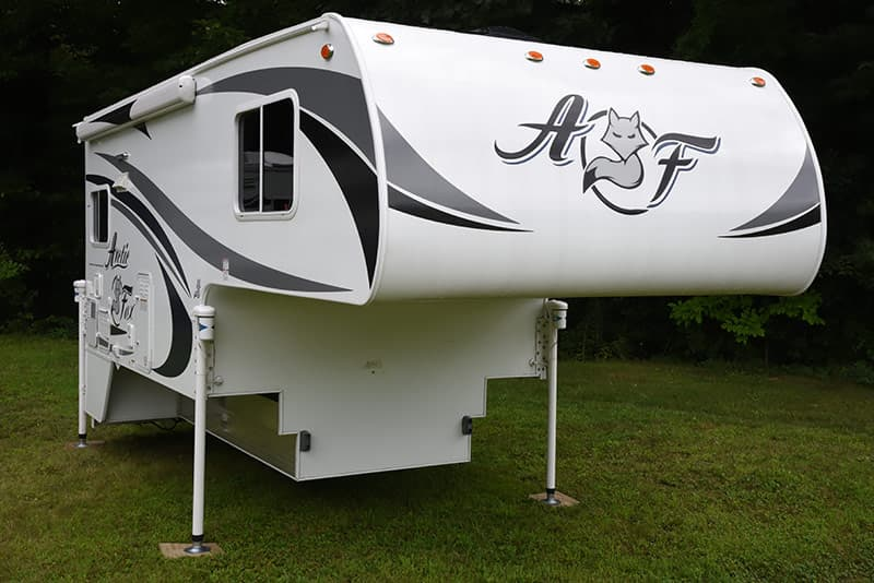 Arctic Fox 992 at Truck Camper Warehouse