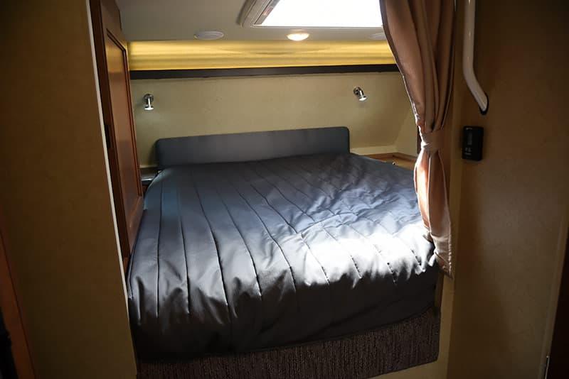 Lance 975 cabover bedroom wide