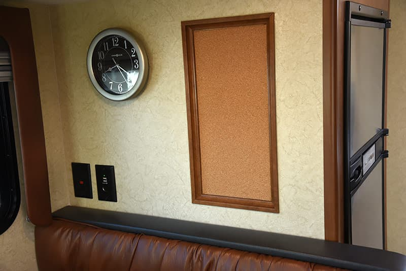 Lance 975 cork board and clock