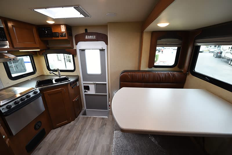 2017 Lance 975 panoramic view