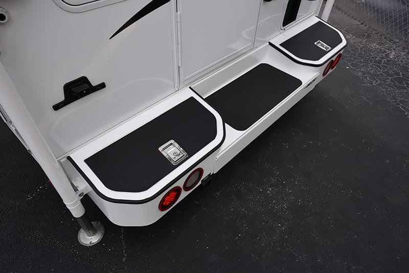 Lance Ultra Deck Plus bumper on Lance 975