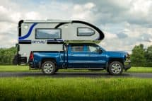 2018 Cirrus 820 blue truck