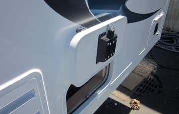 2018 Eagle Cap Exterior Magnetic baggage door catches
