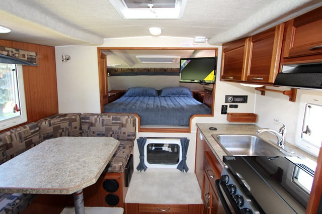 2019 Northern Lite 8 11 EX Wet Bath Interior