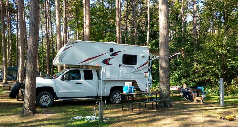 2017 Adventurer 86FB Campground