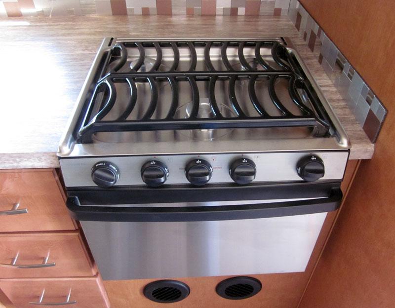 2019 Adventurer New Oven Cooktop