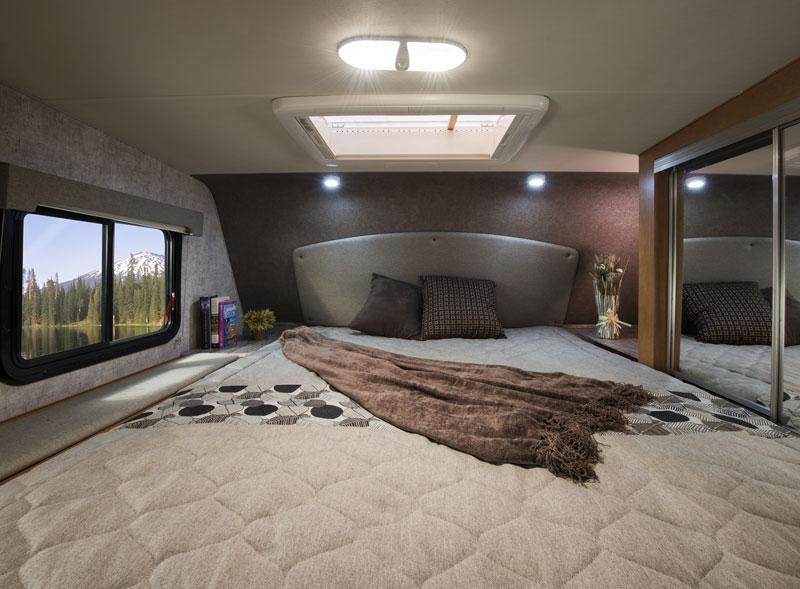 Adventurer 89RB Bedroom
