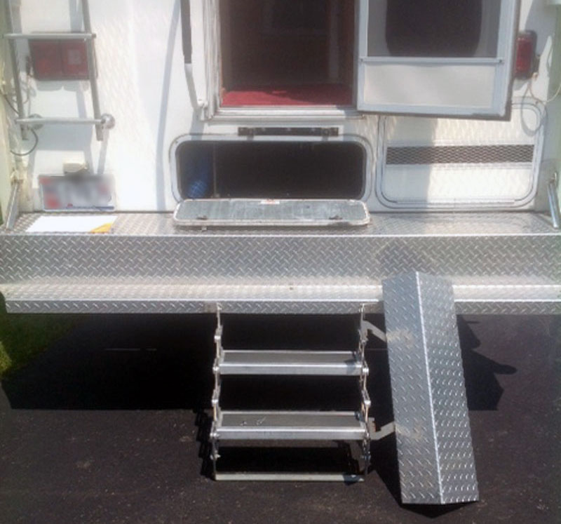 Aluminum Diamond Plate Covering Steps 4