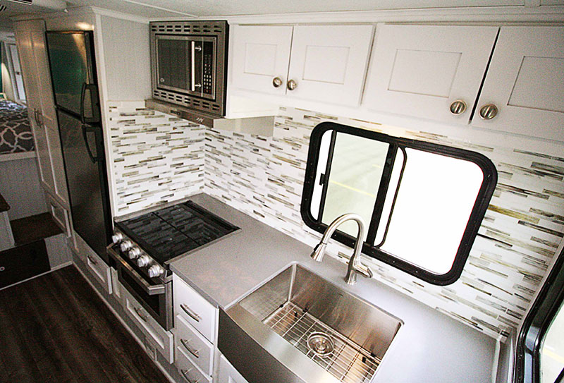 Rugged Mountain Granite 11RL Kitchen Straight Kitchen