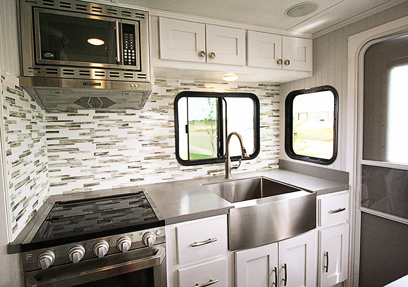 Rugged Mountain Granite 11RL Kitchen Upper Cabientry