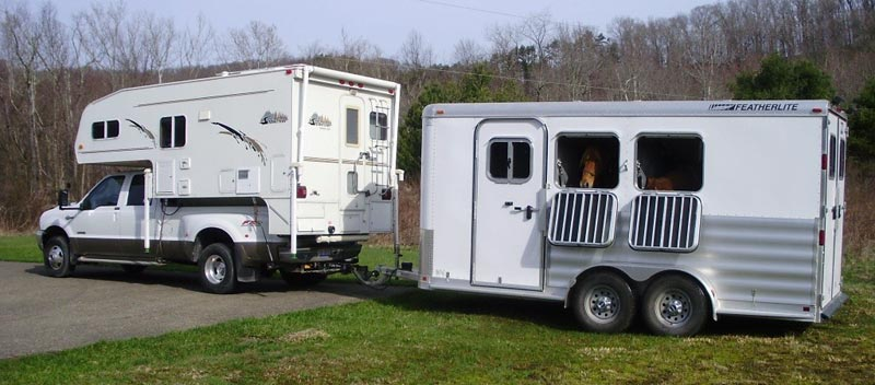 Snowriver Towing Horse Trailer