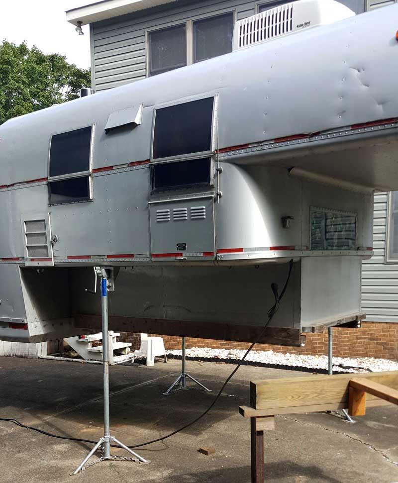 Tripod Truck Camper Jacks Avion Camper