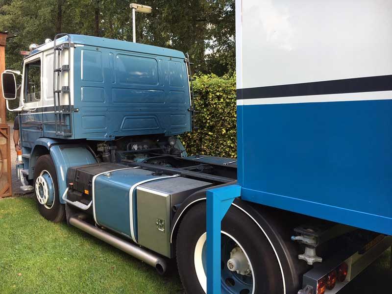Demountable Camper Loading On Truck