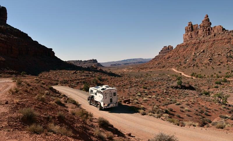 2018 Arctic Fox 990 Dirt Roads