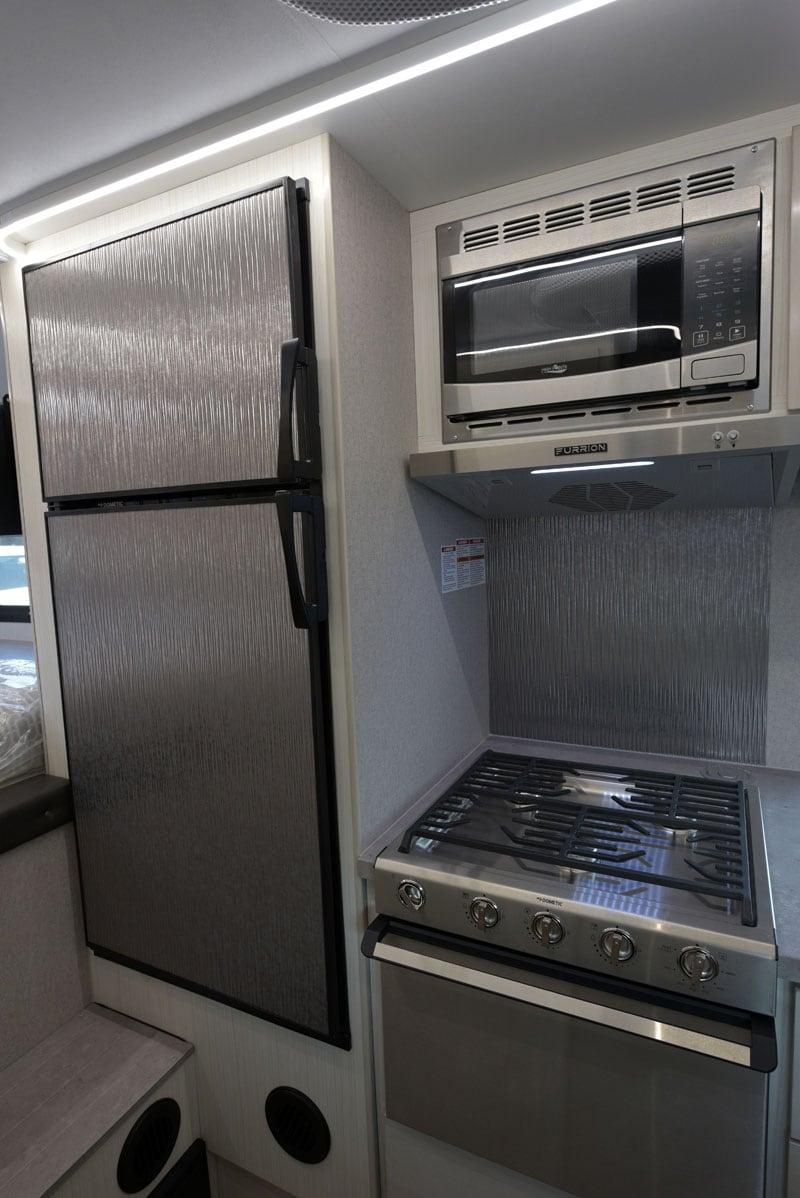 Adventurer 901 Kitchen Refrigerator