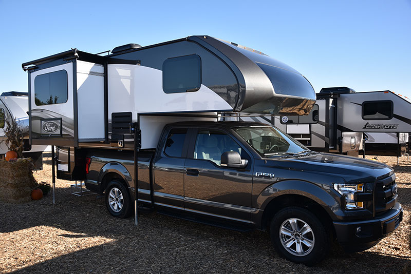Ford Campers 2015 Elkhart Slide