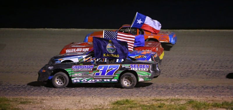 Southwest Speedway Four Wide Salute To Fans With Flags