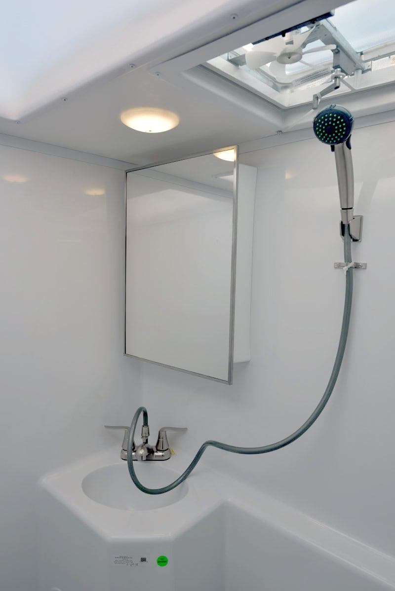 Wet Bath Adventurer 901 Camper
