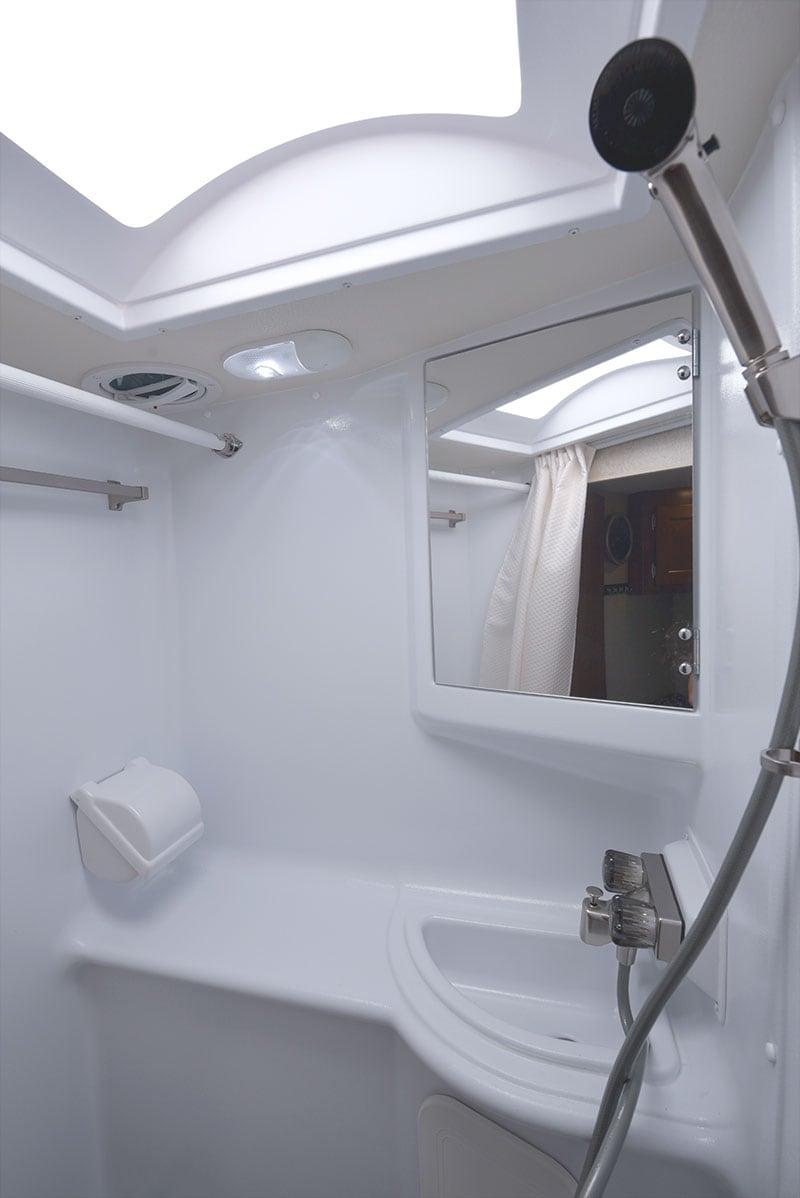 Lance 650 Bathroom Upper Features
