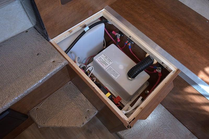 Lance 650 Dinette Battery Under Seat Face Back