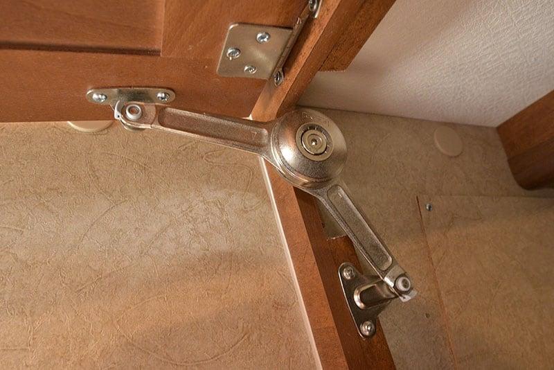 Lance 650 Kitchen Upper Cabinet Hardware
