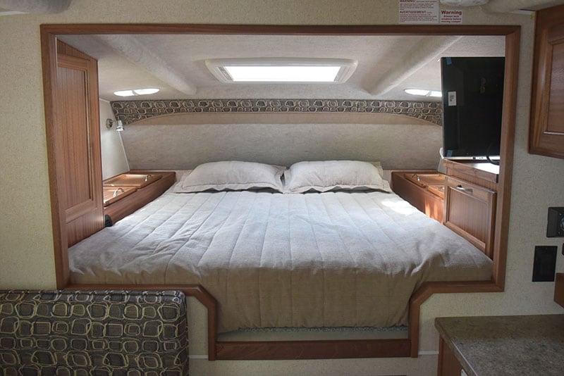 Northern Lite 8-11 EX Wet bedroom