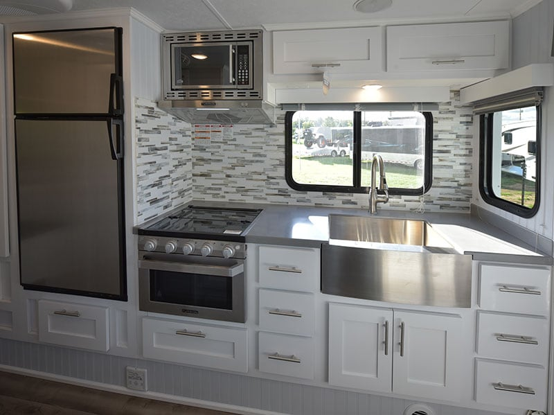 2019 Granite 11RL Kitchen Daylight