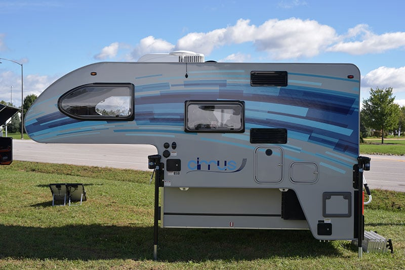 Cirrus 670 Camper Drivers Side
