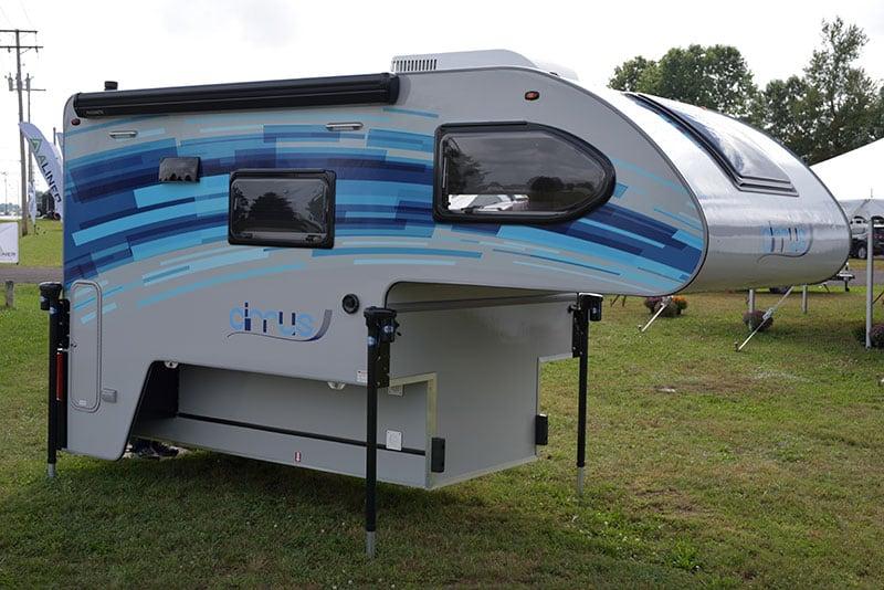 Cirrus 670 Camper Front Passenger