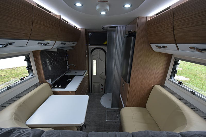 Cirrus 670 Inside Front To Back