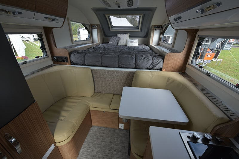 Cirrus 670 Dinette Back To Front