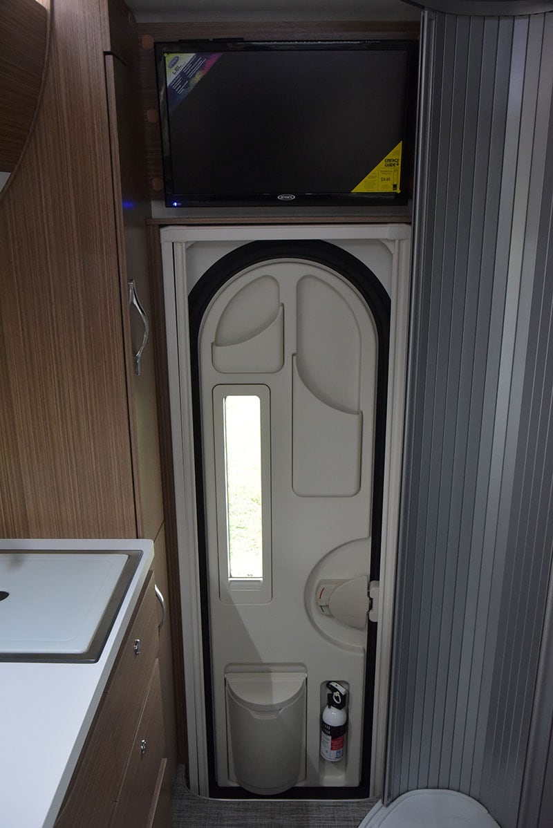 Cirrus 670 Interior Entry Door And TV