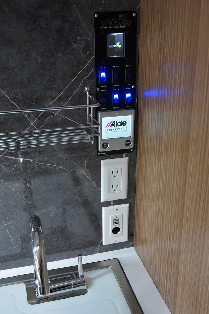Cirrus 670 Interior Kitchen Alde Monitors Outlet Stack