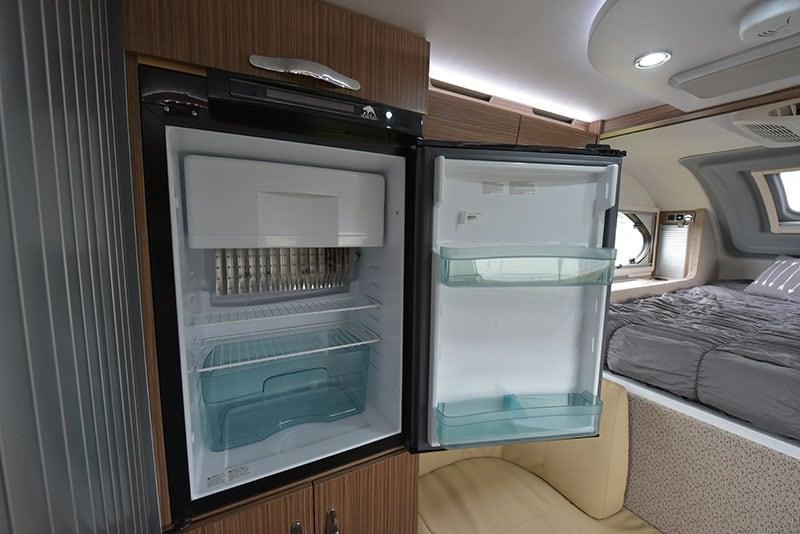 Cirrus 670 Interior Kitchen Refrigerator Open