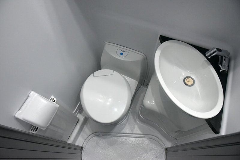 Cirrus 670 Interior Wet Bath Paper Toilet Sink