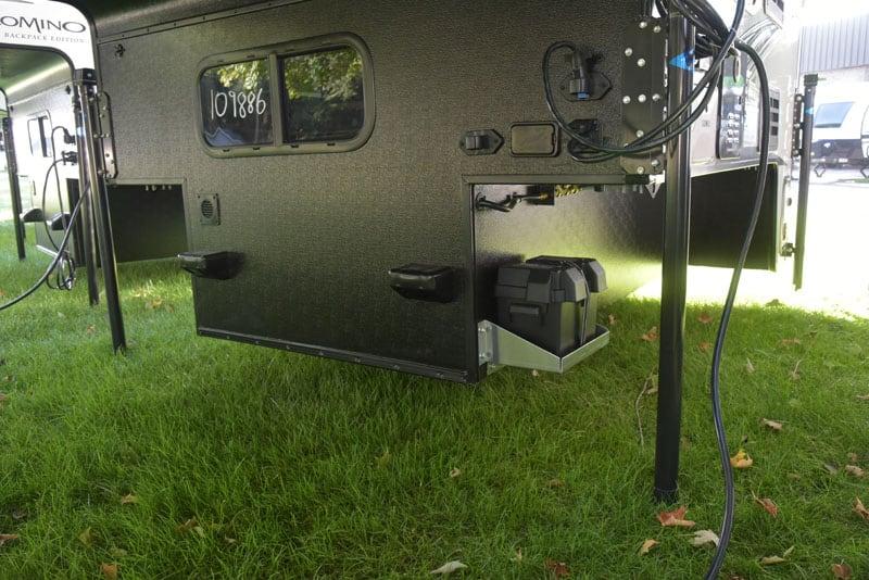 Palomino HS-750 Battery Tray Loading