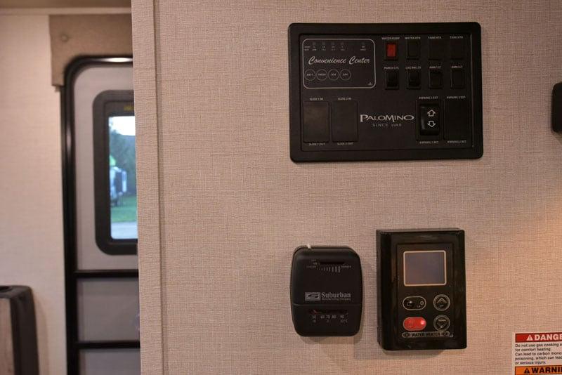 Palomino HS-750 Control Center