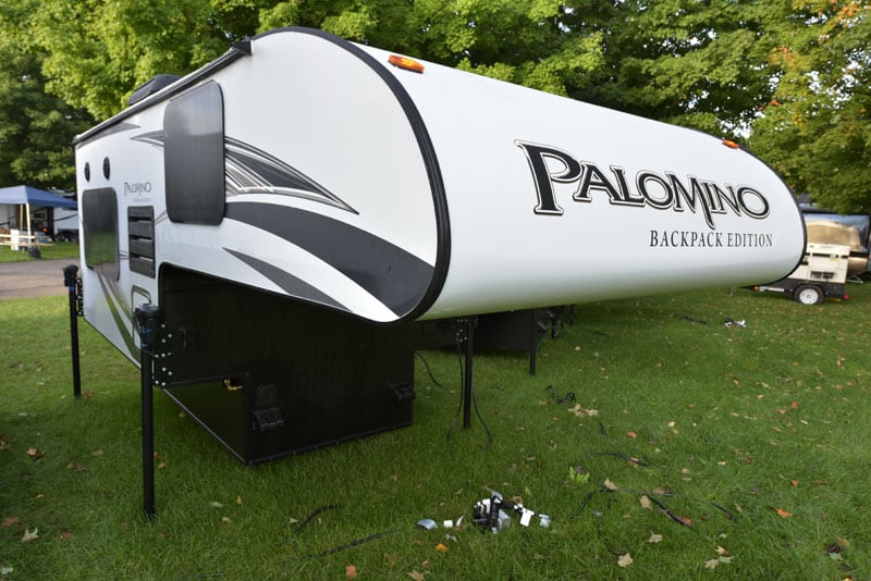 Palomino HS-750 Front Nose