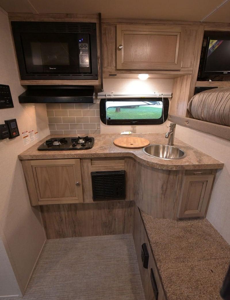 Palomino HS-750 Kitchen New