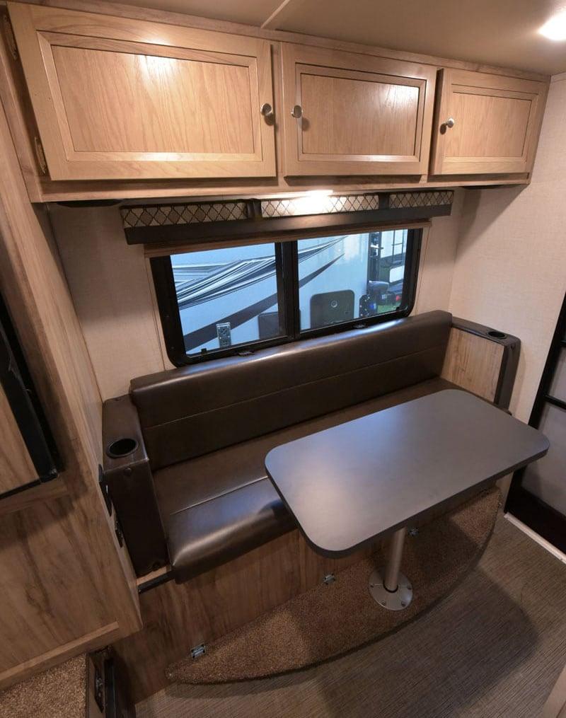 Palomino HS-750 Sofa And Table