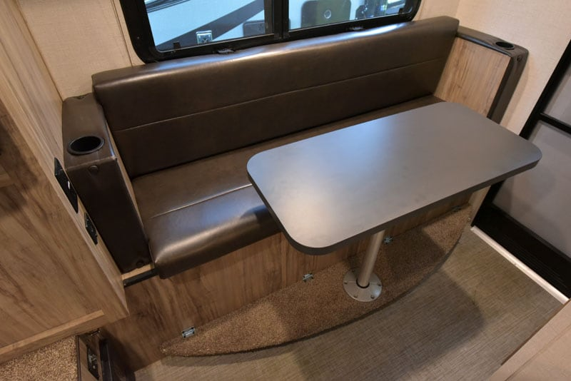 Palomino HS 750 Sofa And Table Close