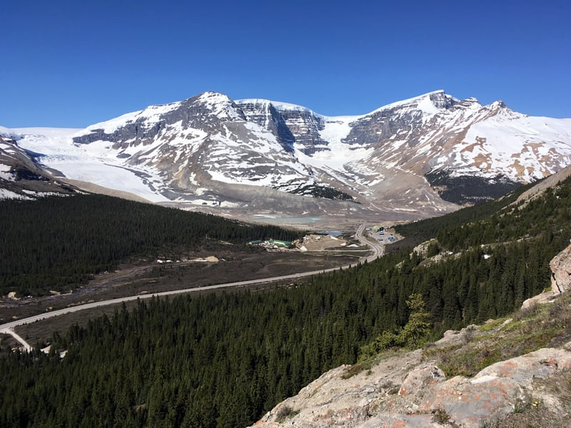 Columbia Icefield Discovery Centre Area On The Icefields Parkway