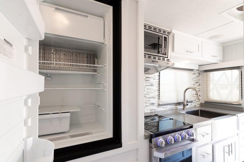 Granite 9RL Refrigerator Open